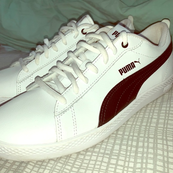 Puma Vikky Sneakers Material: Suede Softfoam Barely Used